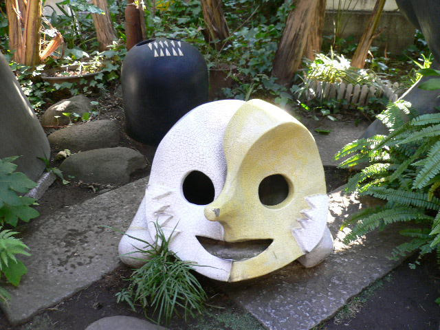 岡本太郎記念館 庭
