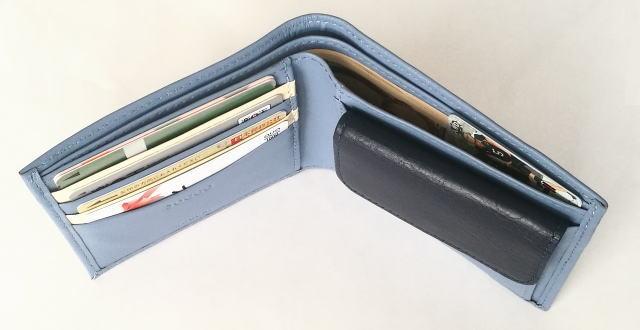 joggoジョッゴ 二つ折り財布 中身を入れたところ